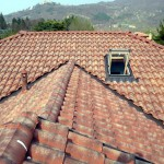 Realizzazione tetti con lucernari e camini