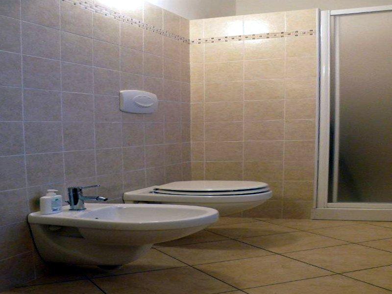 Impianti idraulici bagno ristrutturazione bagno bologna modena u rifare impianti pavimento - Costo realizzazione bagno ...