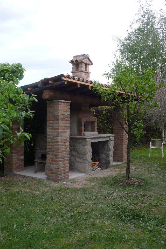 Forni e barbecue ursomarso costruzioni - Barbecue da giardino in pietra ...
