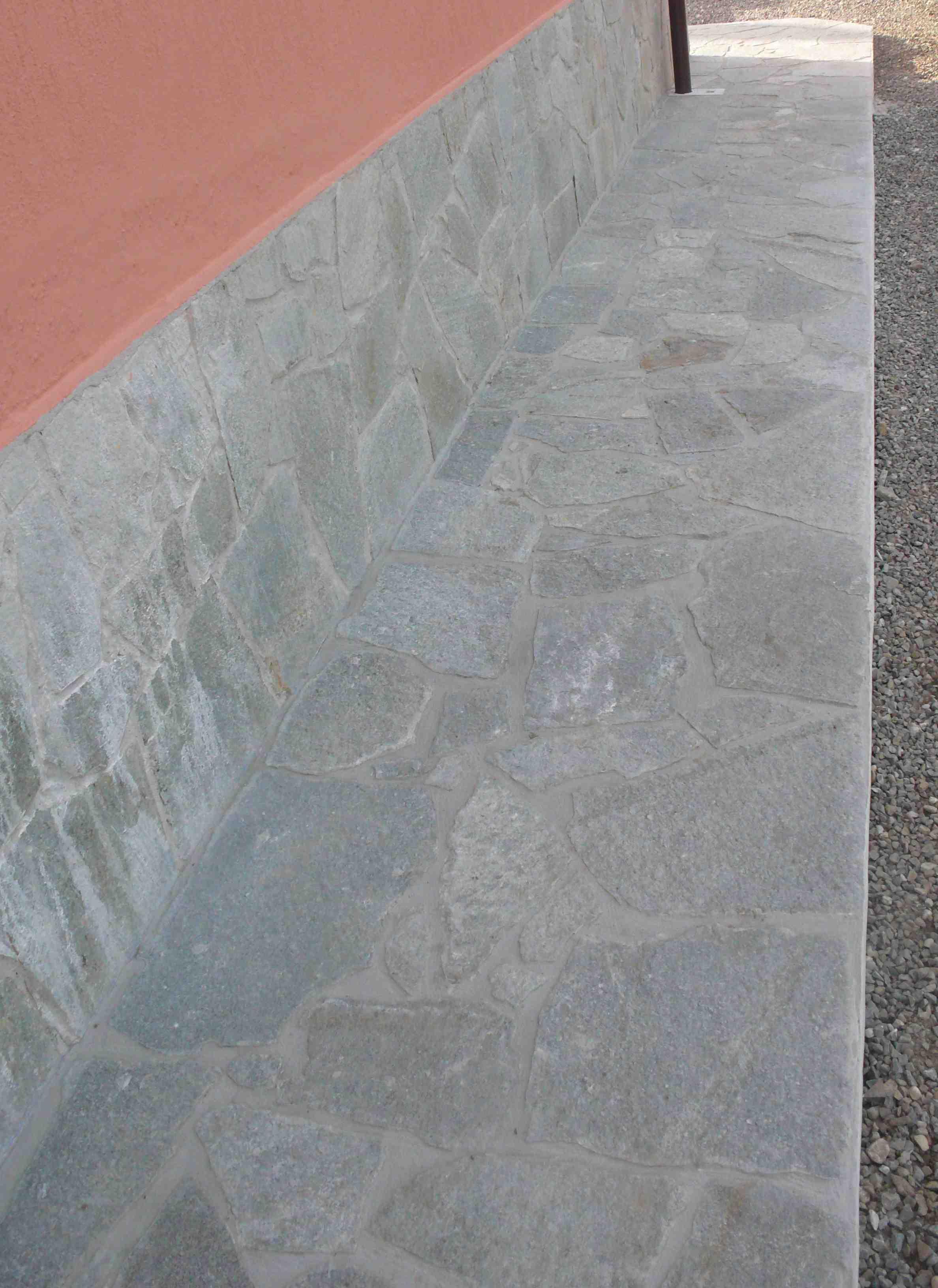 Pavimentazione in pietra di luserna beola ursomarso costruzioni - Pietra di luserna per esterni ...